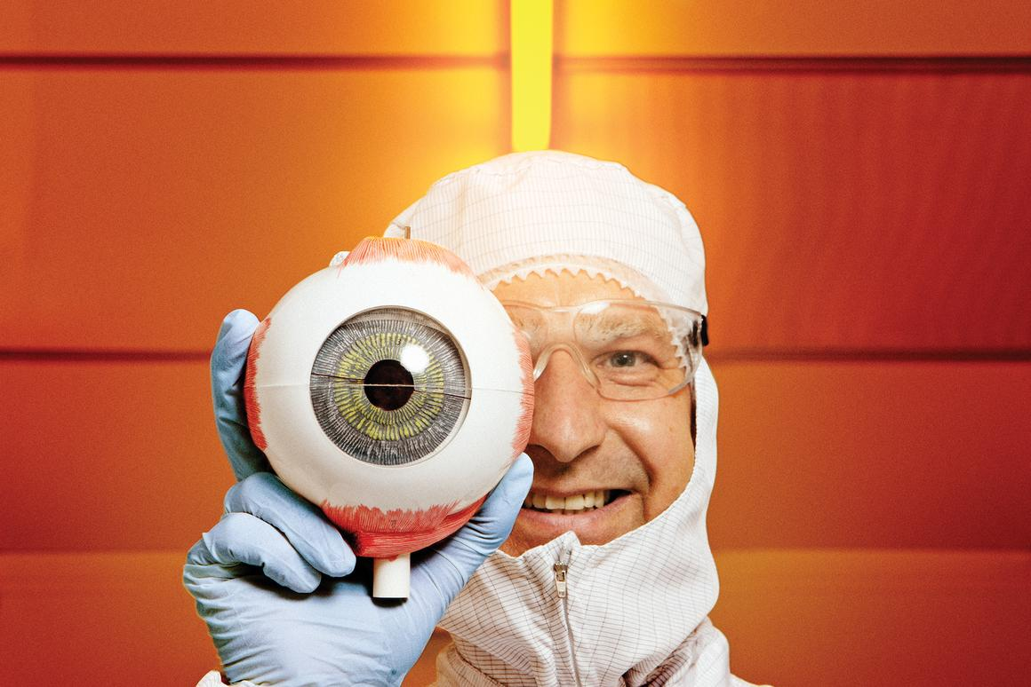 SINTEF's Dag Wang, who is part of a team developing an autofocus lens that mimics the human eye