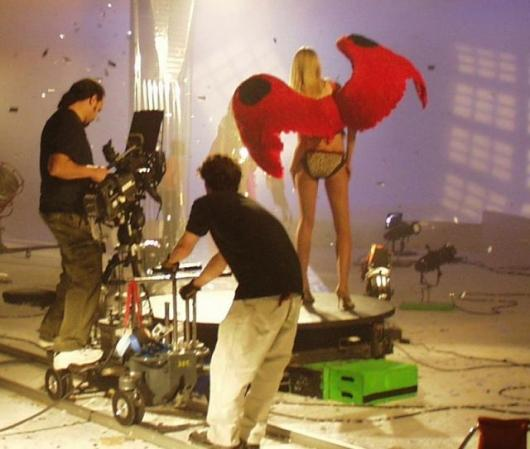 A tough job but someone's gotta do it - using the Ciclescan at a Victoria's Ssecret shoot