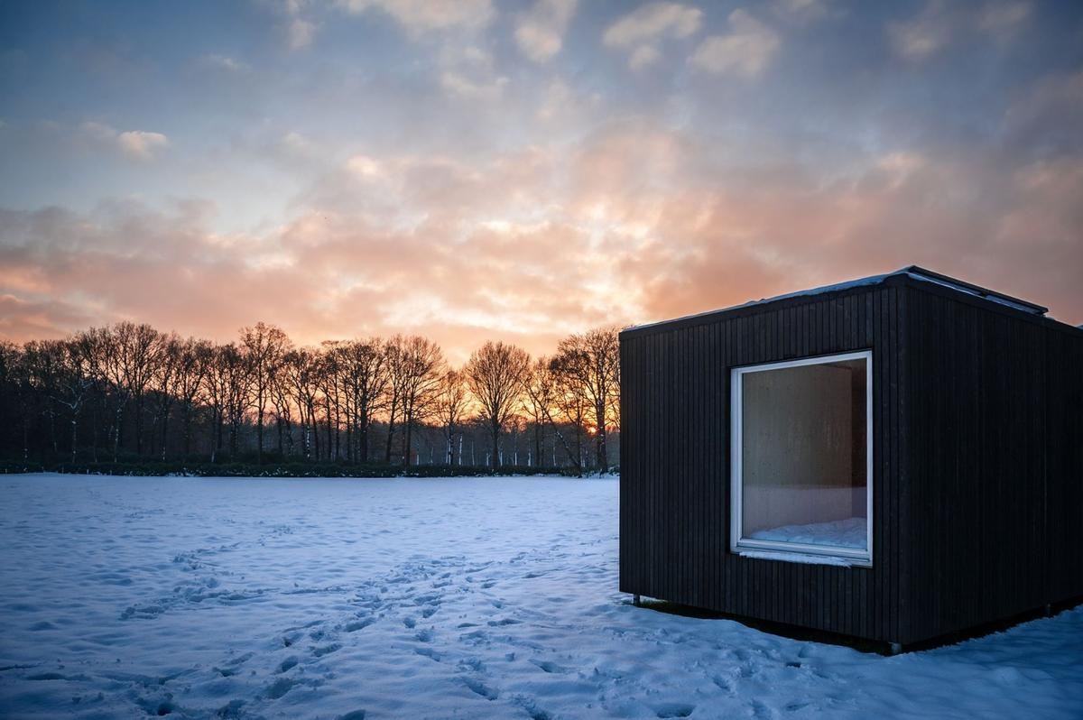 Slow Cabins offers cosy off-grid accommodations in the countryside that place an emphasis on sustainability