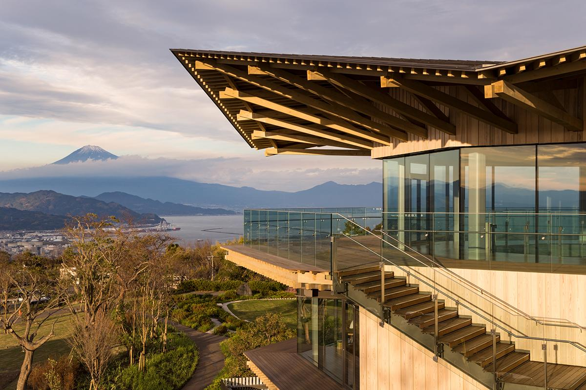The Nihondaira Yume Terrace offers panoramic views of Mt Fuji and the Nihondaira scenic area