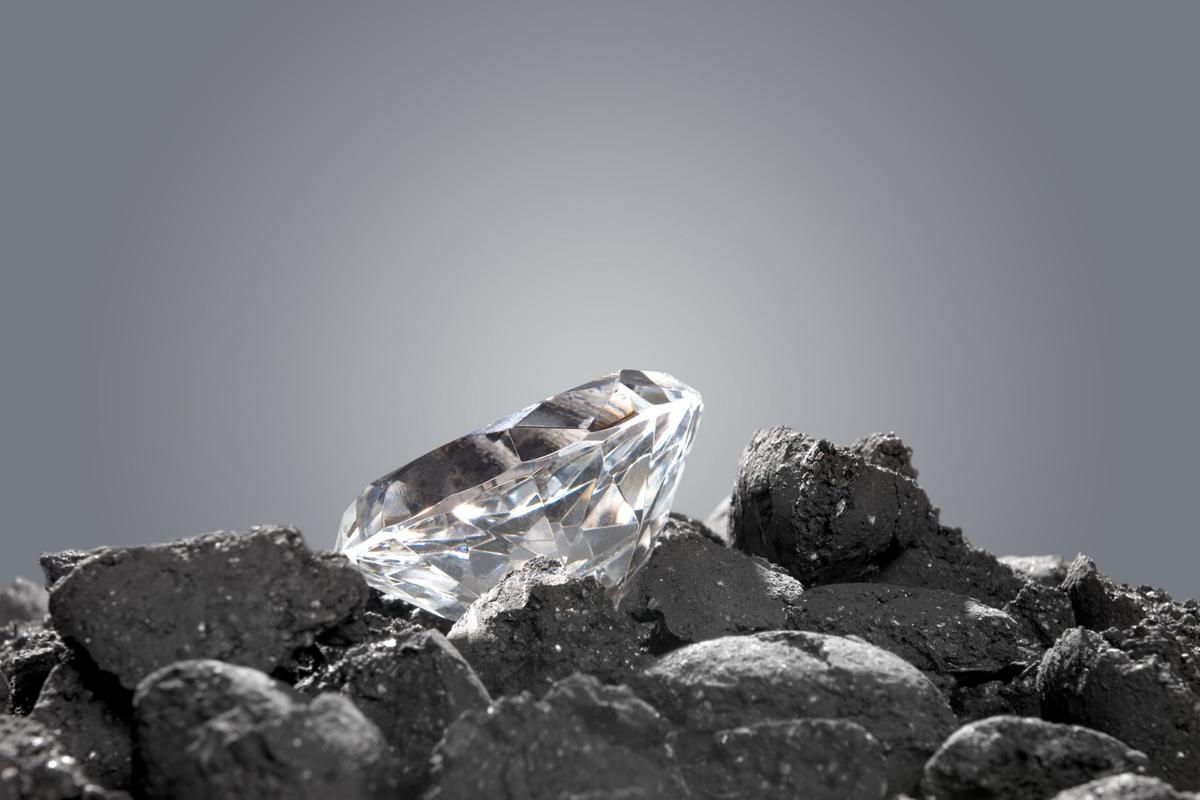 new study suggests there may be 1,000 times more diamonds in the Earth's interior than previously believed