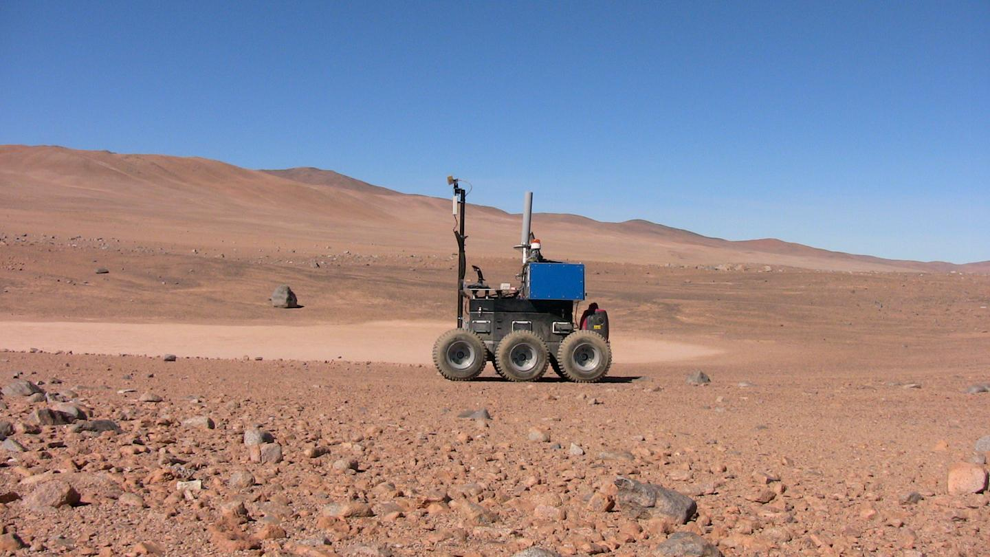 The ESA's Seeker rover being put through its paces in Chile's Atacama Desert (Photo: ESA)