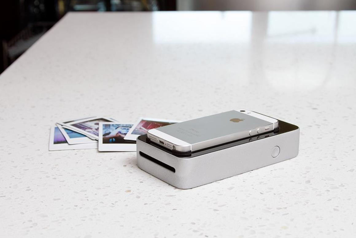 The SnapJet creates instant prints by scanning a smartphone's display