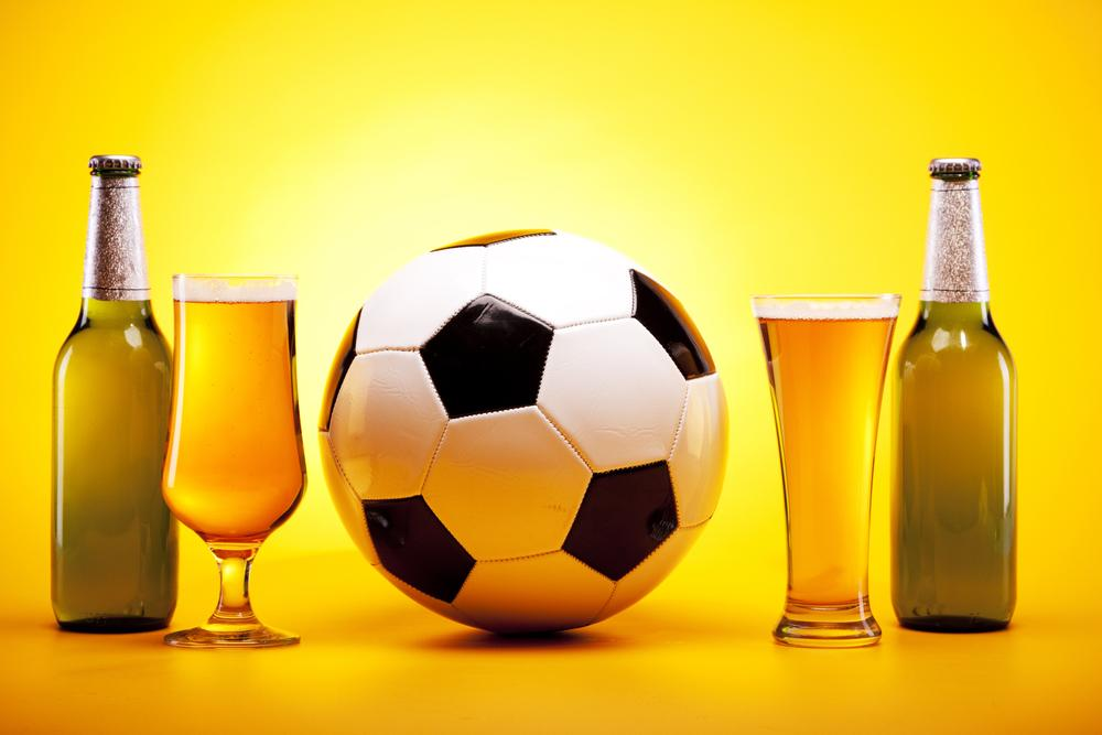 Beer and sports are long-time cultural partners (Photo: Shutterstock)