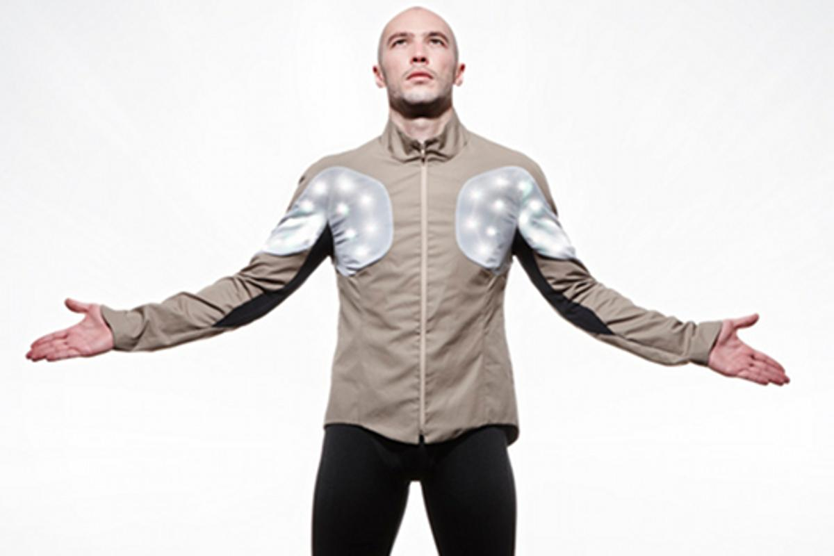 "The Utope Project's Sporty Supaheroe integrates sensors and RGB LEDs into an ""intelligent"" cycle jacket"