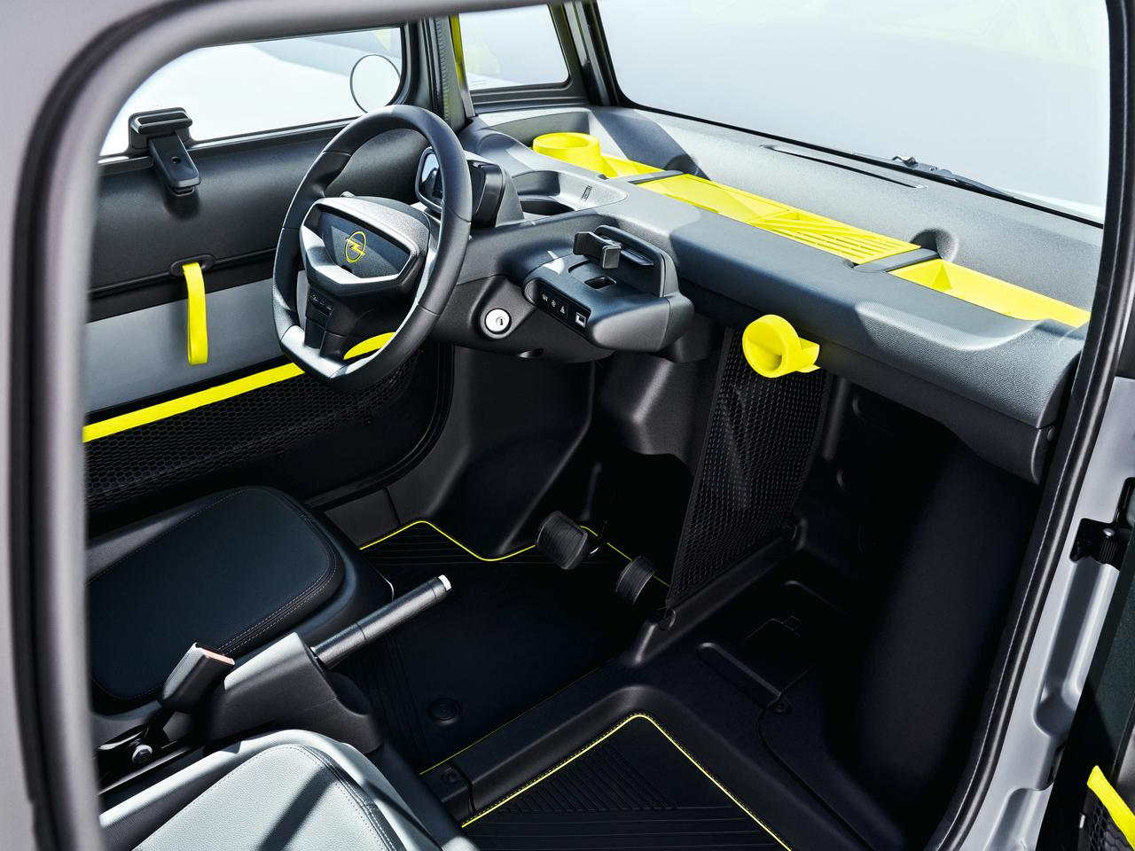 The driver can keep an eye on speed, range and driving mode courtesy of the small display in front of the steering wheel