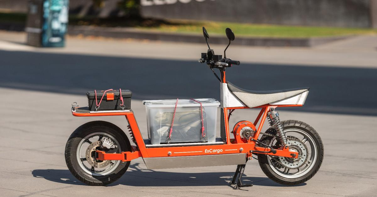 The EsCargo is an electric cargo bike for city and suburban deliveries