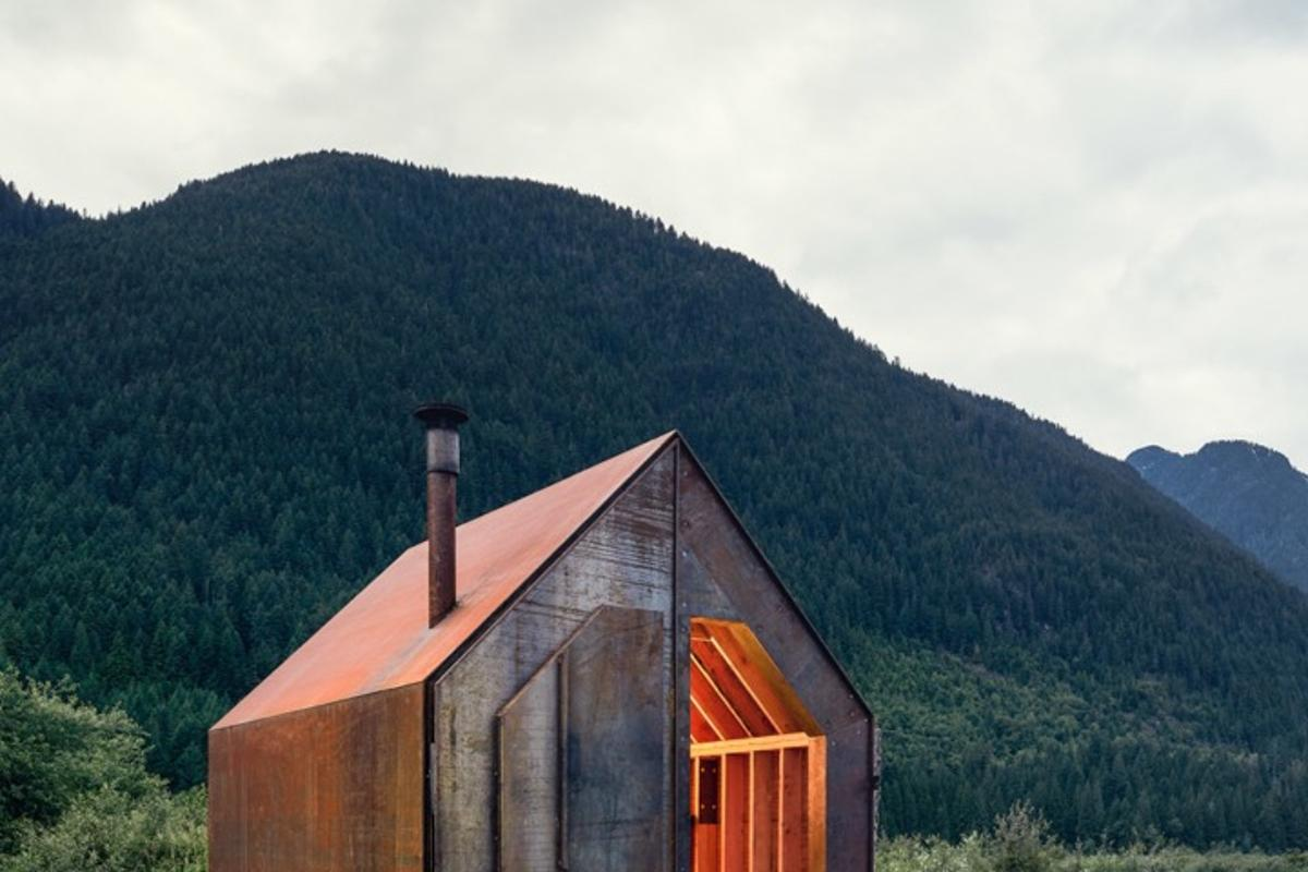 The Site Shack was transported to a location in rural Canada for a while to demonstrate its ability to serve as a remote cabin