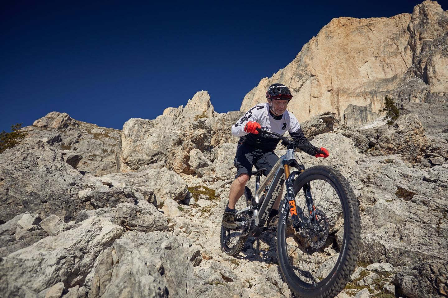 The CNC eFanes is designed for enduro riding