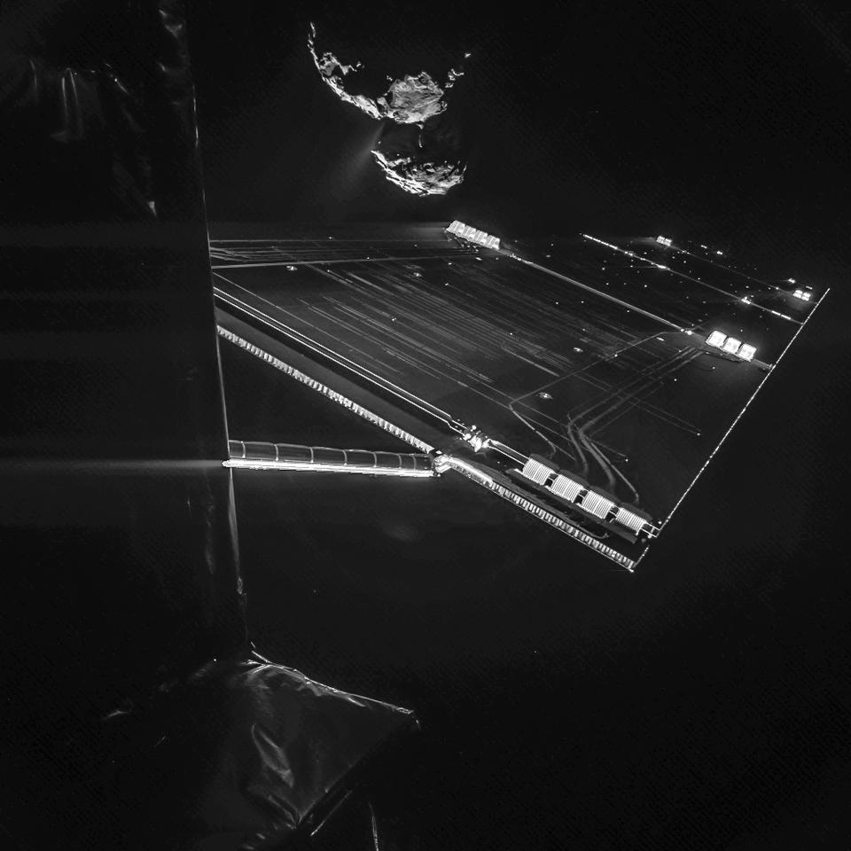 Rosetta's stunning selfie will be the final image to be returned from the Philae lander prior to its separation from the Rosetta mothership (Image: ESA/Rosetta/Philae/CIVA)