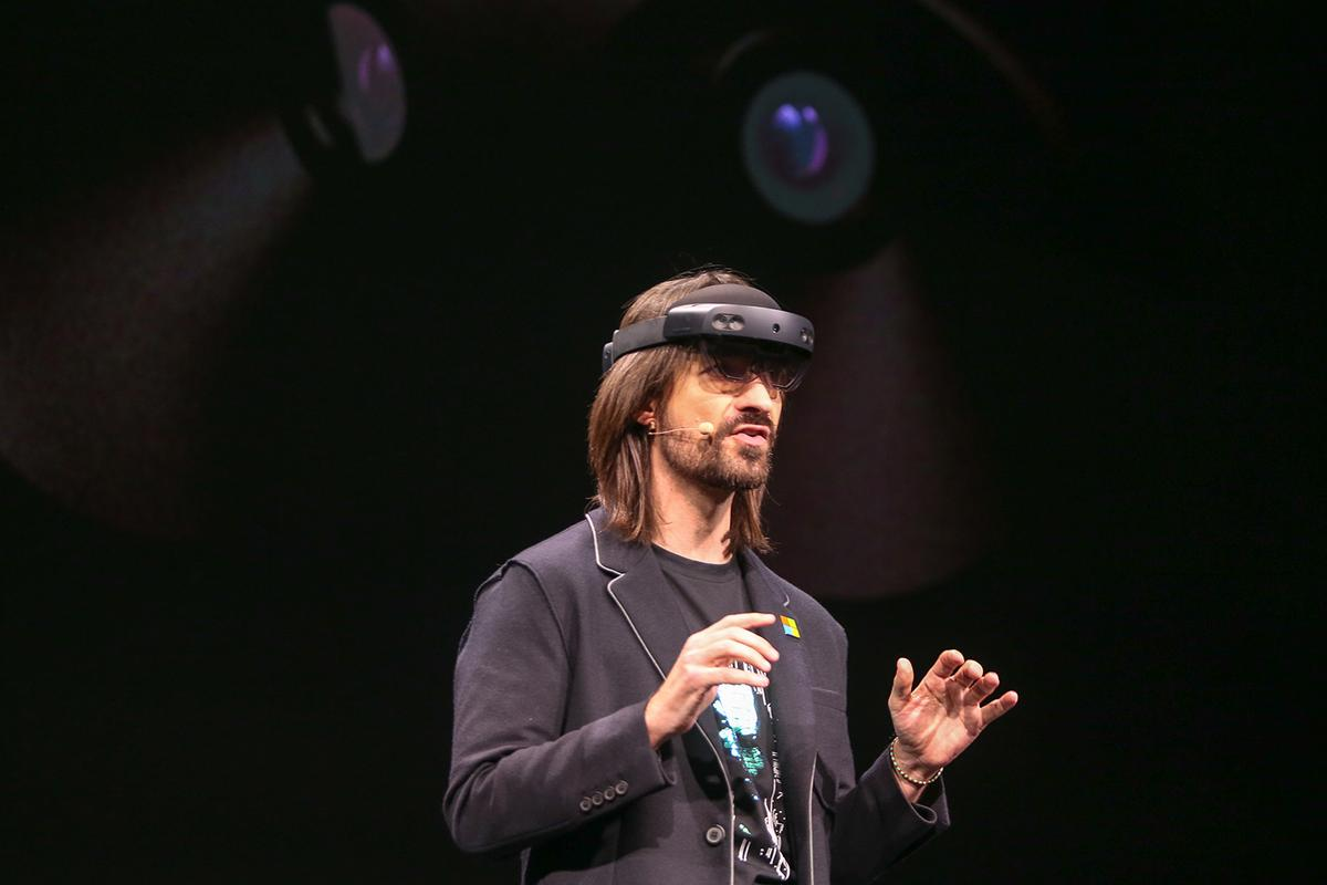 Microsoft has been showing off the HoloLens 2 at Mobile World Congress 2019