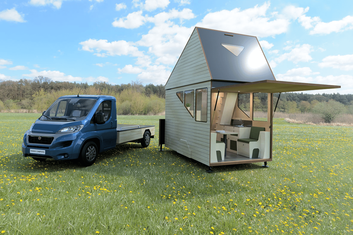 Upon arrival, the Opperland easily removes from the Ducato, serving as a tiny-home-like wilderness hut