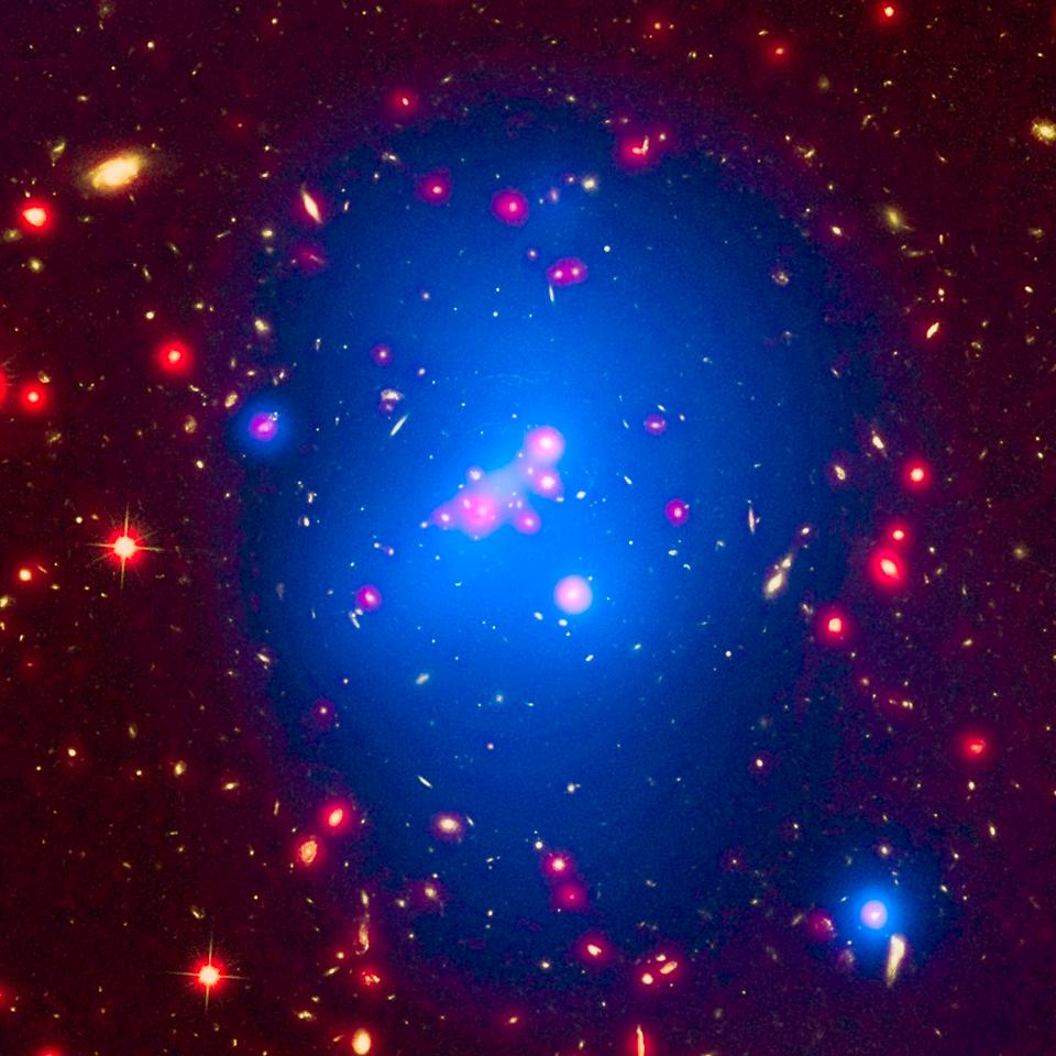 Multi-wavelength image of galaxy cluster cluster IDCS J1426.5+3508