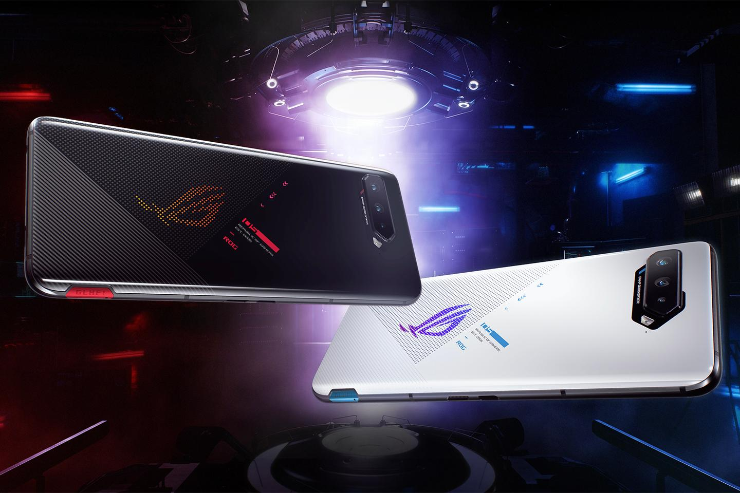 The Pro and Ultimate editions of the ROG Phone 5 come with an LED display on the back