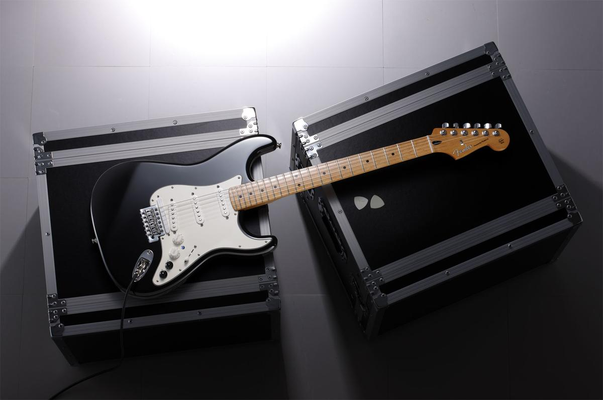The new G-5 Strat features Roland's COSM modeling technology, offering players instant alternate tuning and a number of digitally-created guitar sounds