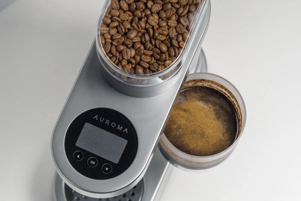 The Auroma One features a temperature sensor, dissolved coffee sensor, and an embedded scale in addition to accessible water reservoir and filter cavity