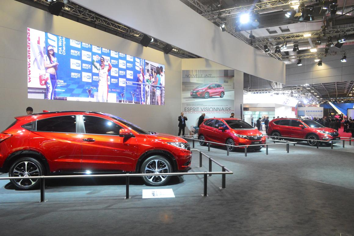 From left, the European HR-V, Jazz and CR-V prototypes on display from Honda at the Paris Auto Show (Photo: C.C. Weiss/Gizmag)