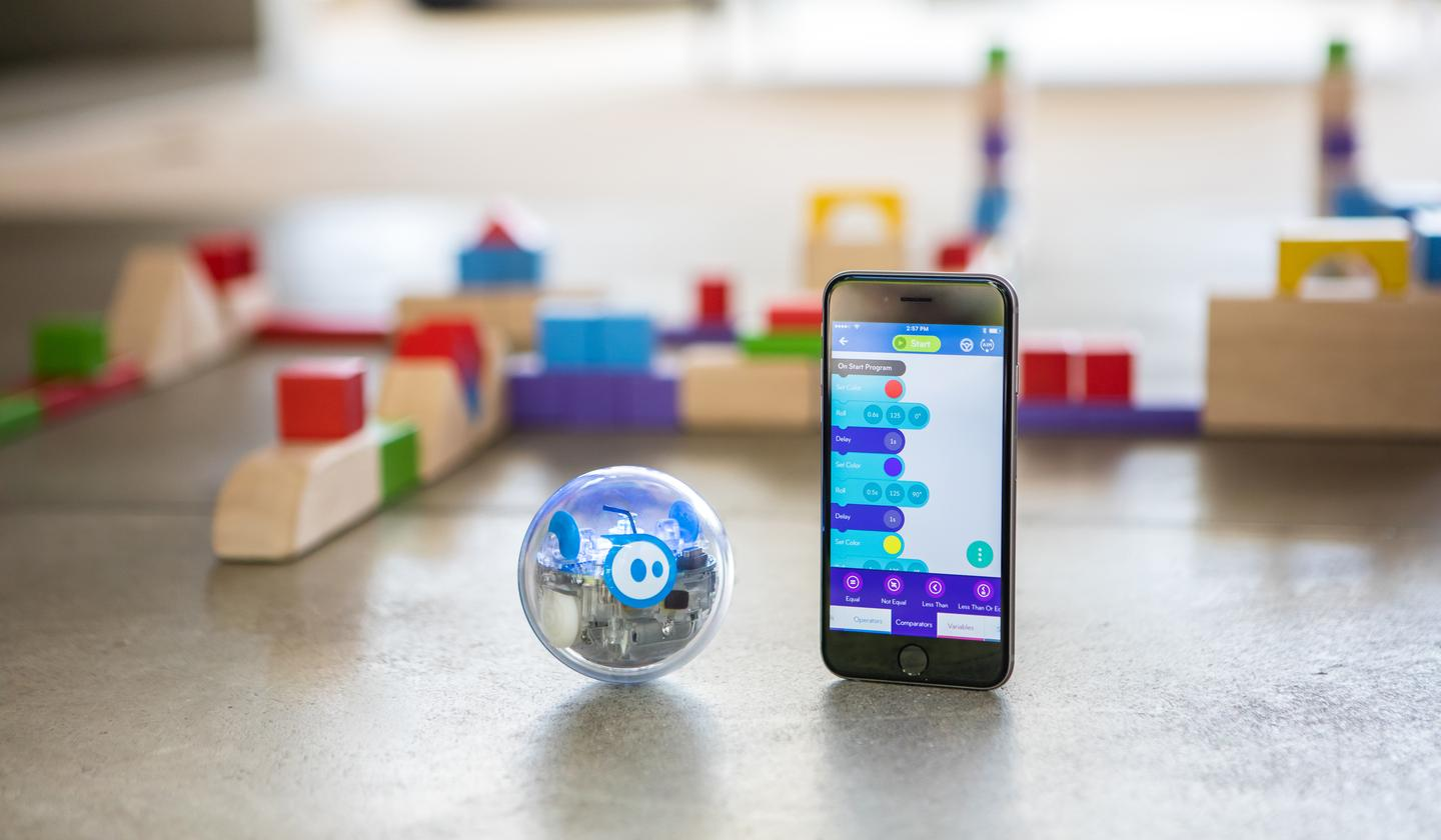 The Sphero SPRK+ can be use with the SPRK Lightning Lab app