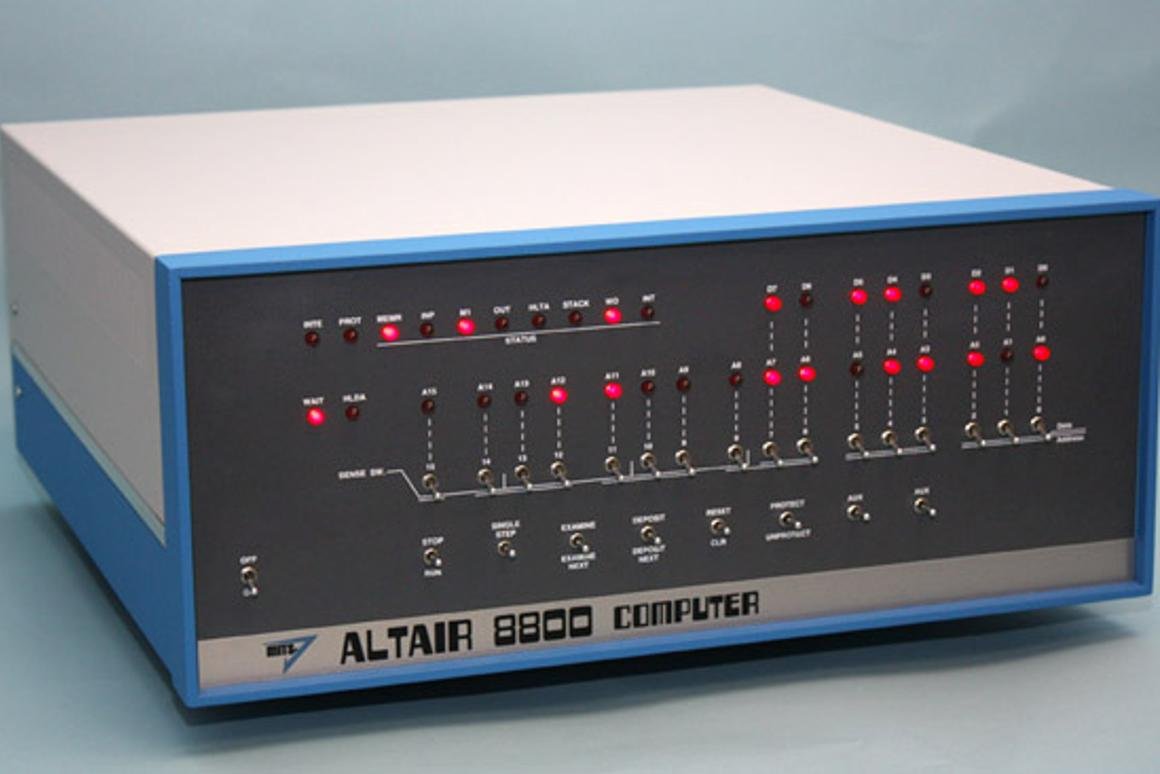 The Altair 8800 Clone reproduces the functions and flaws of the original