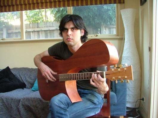 Leonard Grigoryan with the Stereo Acoustic Guitar