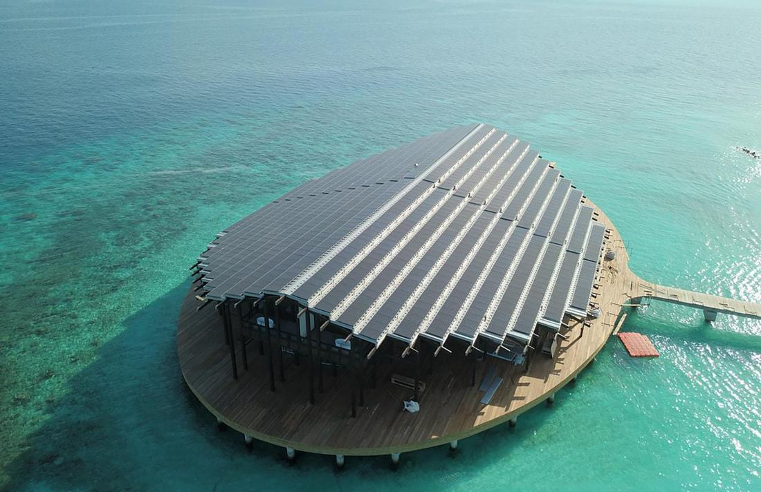 With a strong focus on sustainability, the Kudadoo Maldives Private Island resort is distinguished by its impressive photo-voltaic roof