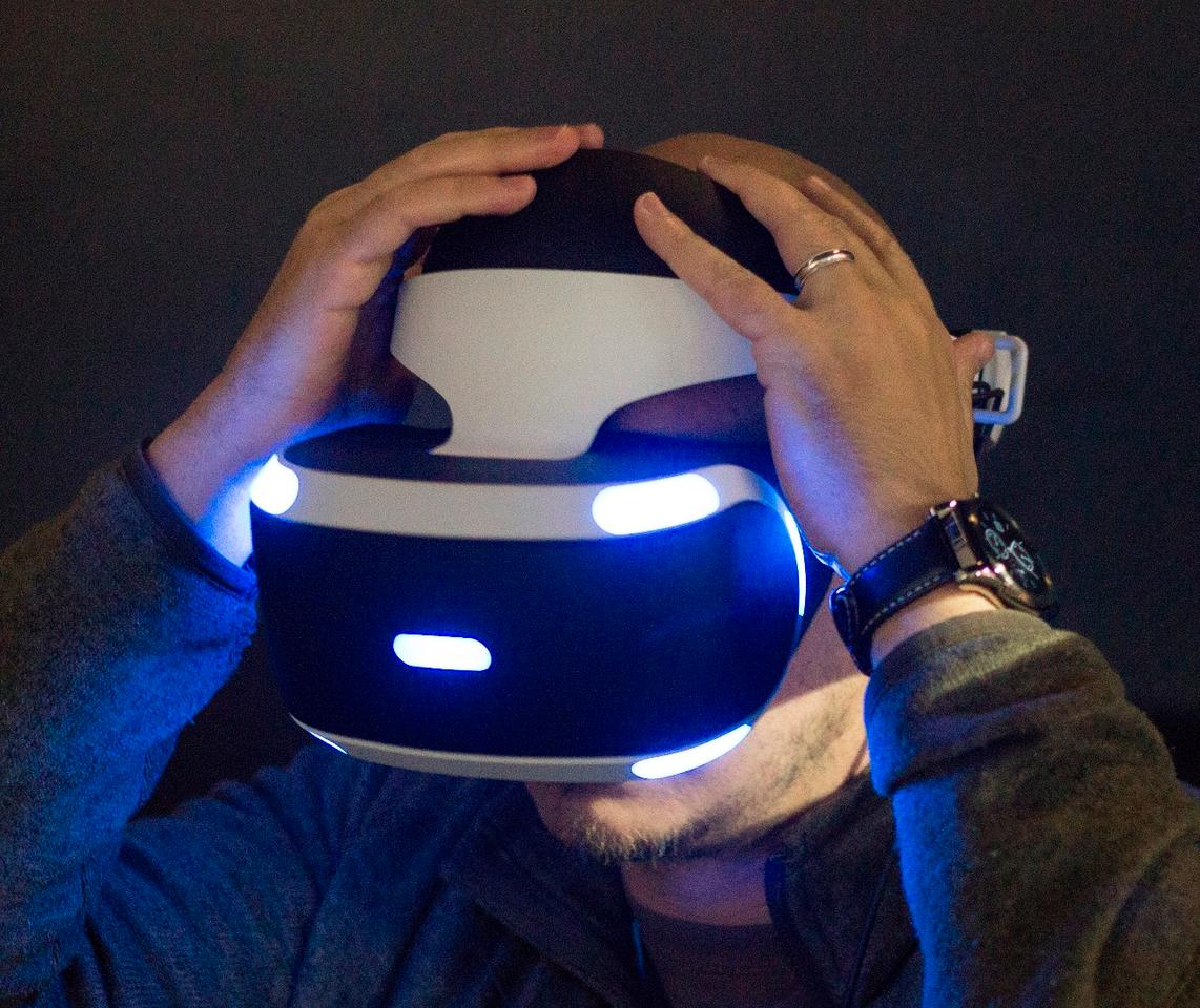 Getting the Project Morpheus headset adjusted just right