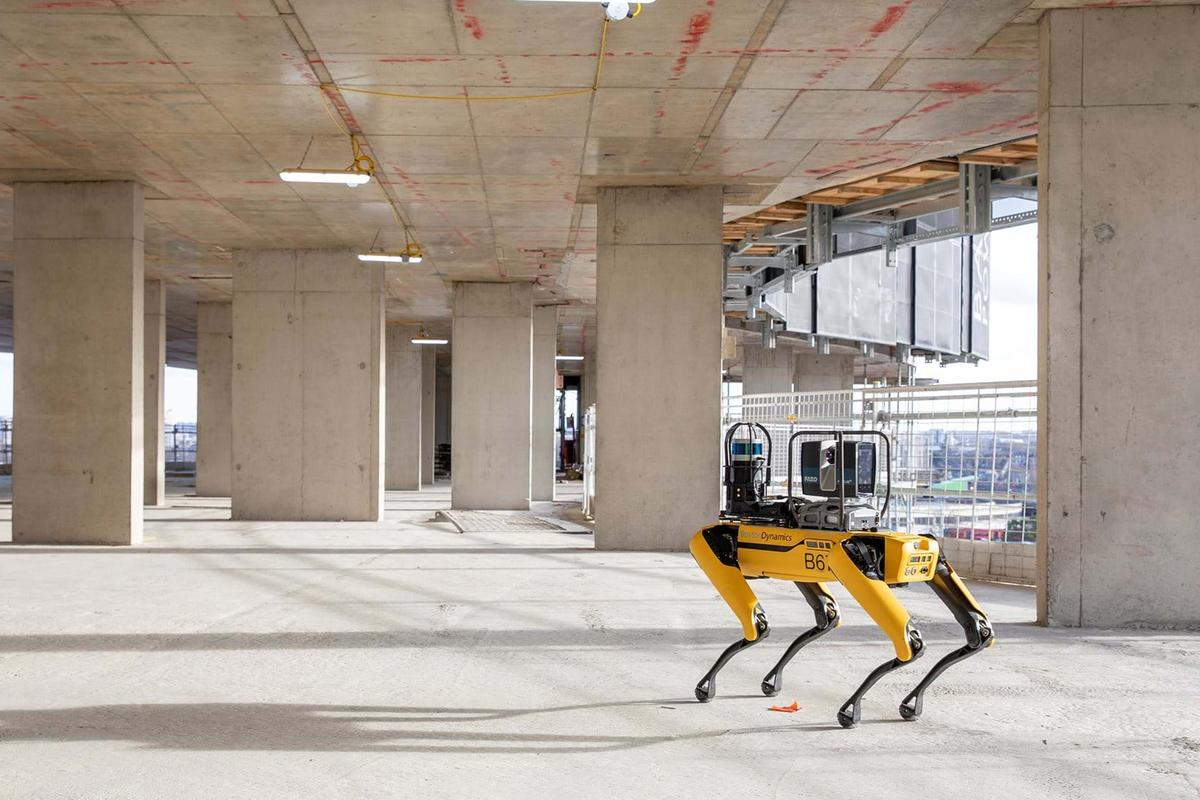 The project is a collaboration between high-profile British architecture firm Foster + Partners and US engineering and robotics powerhouse Boston Dynamics