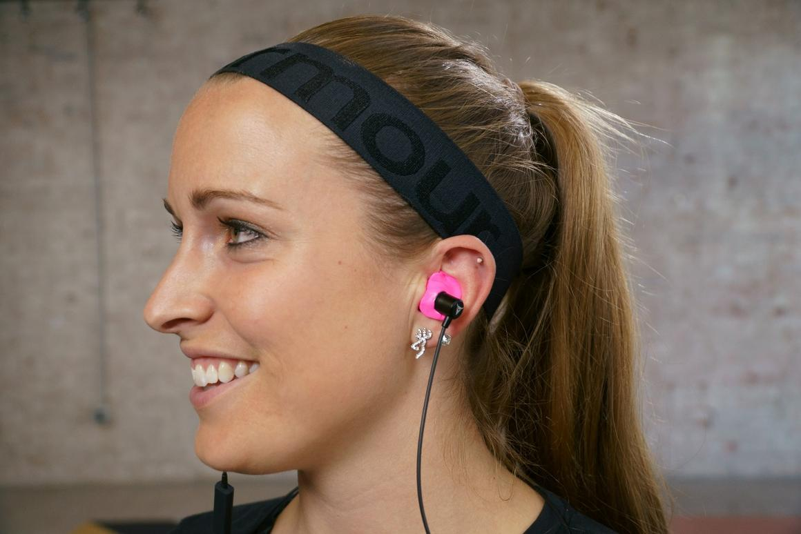 Decibullz Wireless are DIY custom-molded earphones with Bluetooth 4.2 connectivity