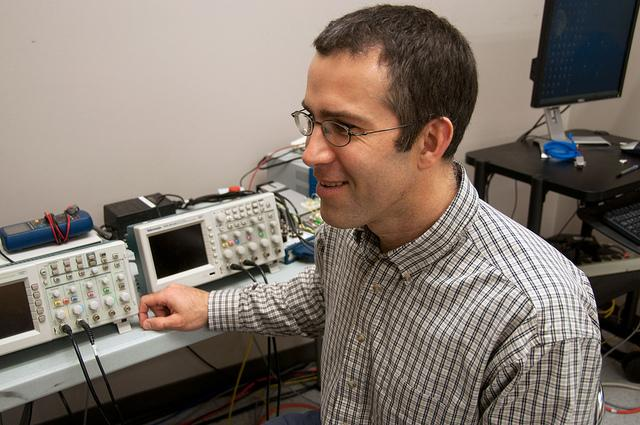 SFU associate professor James Wakeling, who invented the 3D muscle imaging system