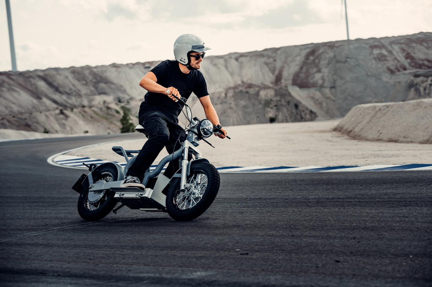 Cake is offering two variants of its Makka electric moped