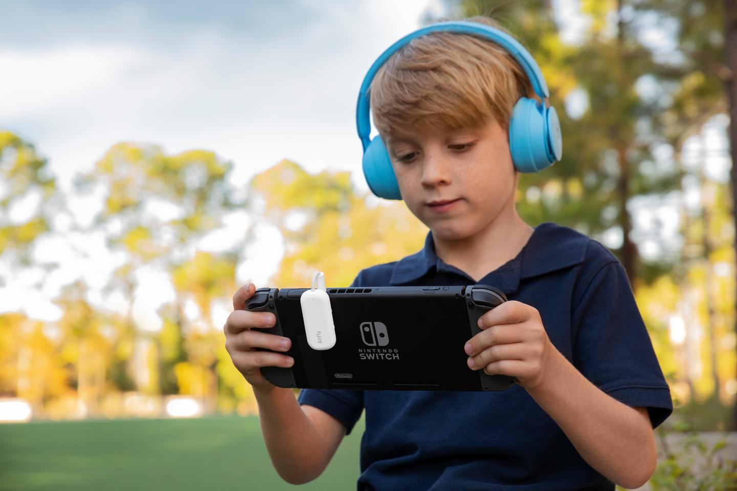 The AirFly Pro can stream audio to wireless headphones from non-Bluetooth handheld gaming devices
