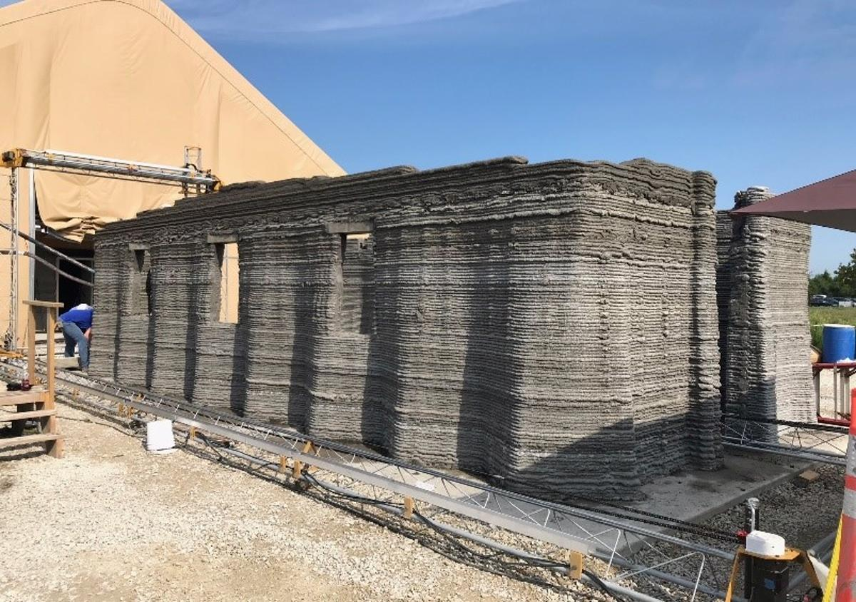 US Marine Corps Systems Commandused a 3D printer to construct a prototype concretebarracksmeasuring 500 sq ft (46 sq m) in just 40 hours