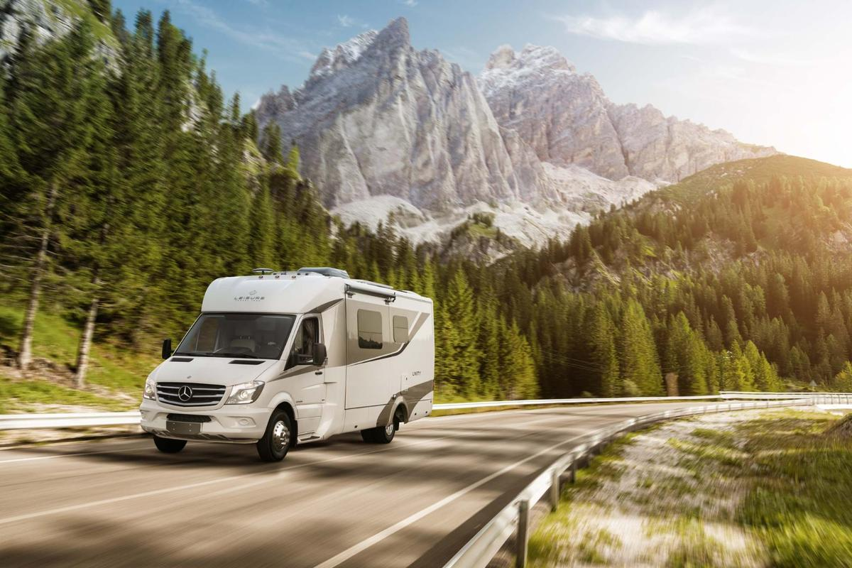 2016 Leisure Travel Vans Unity
