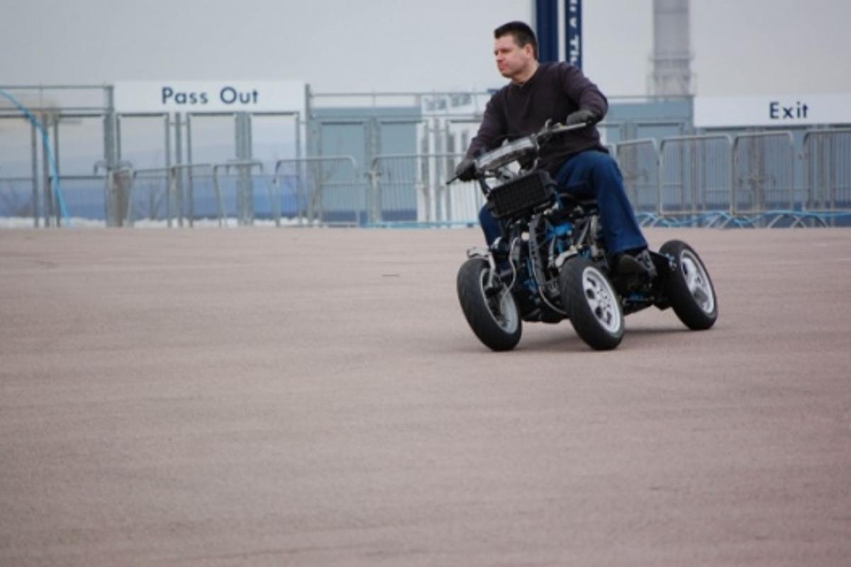 The 4MC four-wheeled motorcycle