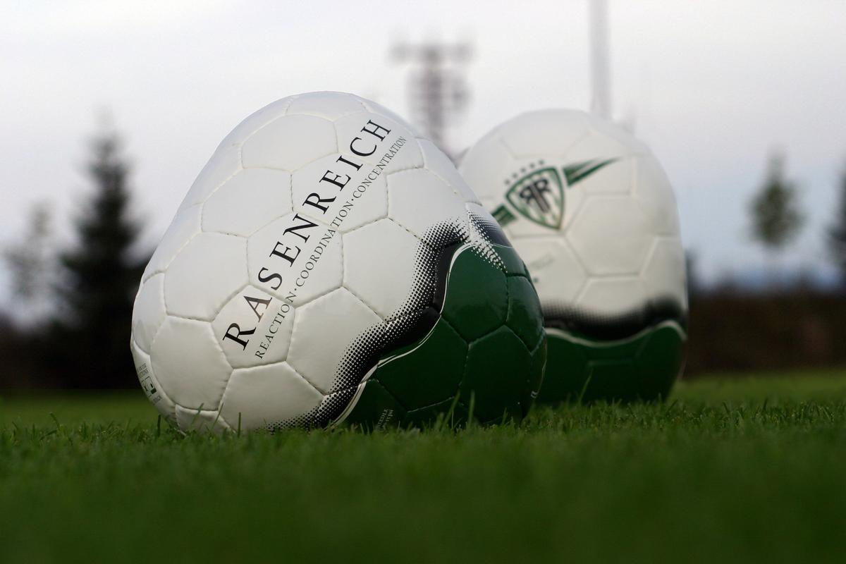 The Corpus training balls from Rasenreich helps turn average soccer players