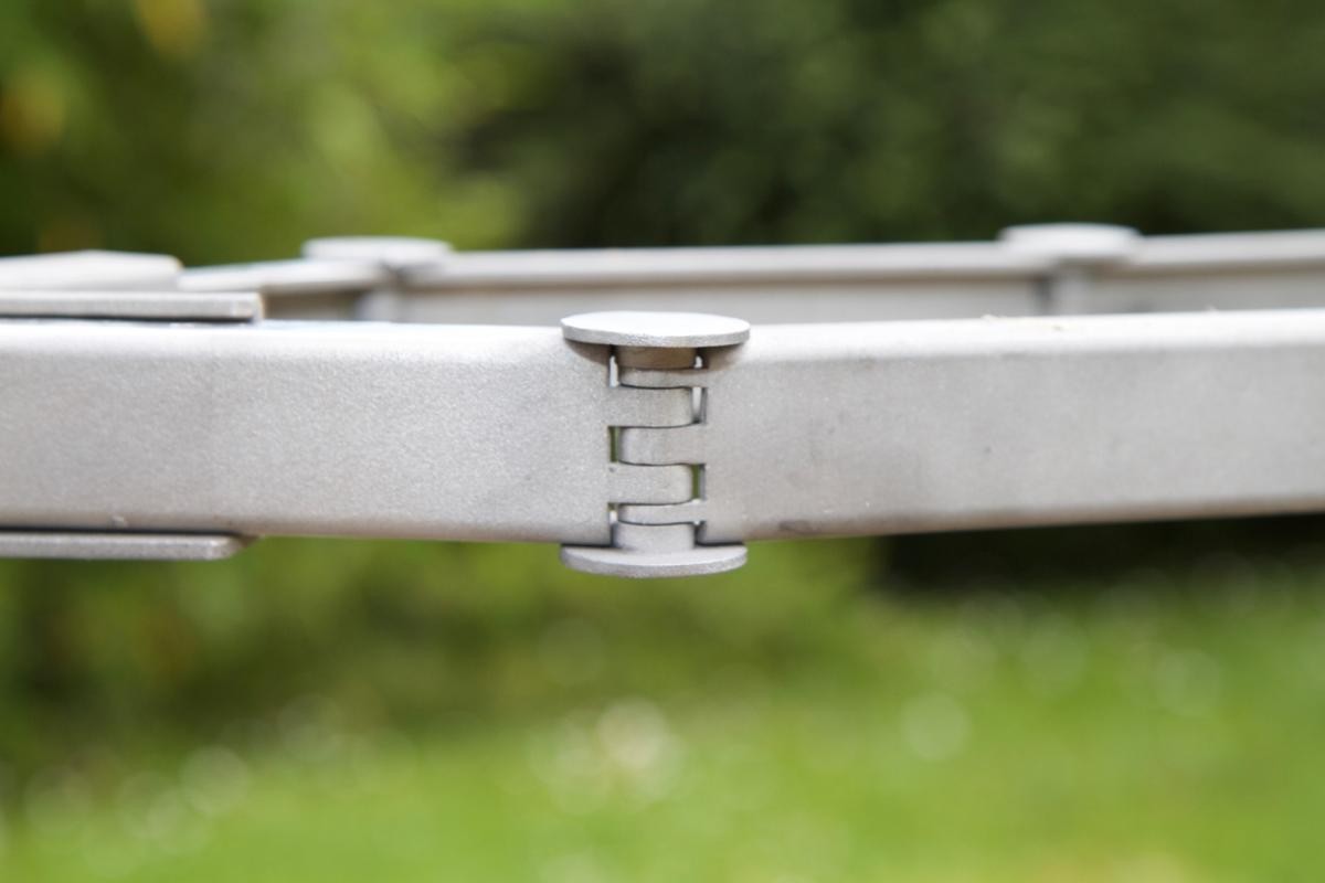 The Nexibi has an articulated hardened stainless steel-bar body