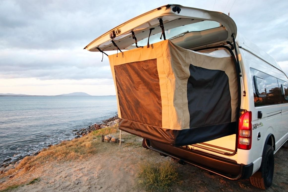 Land Cruiser 4x4-equipped Toyota camper van grows with pop