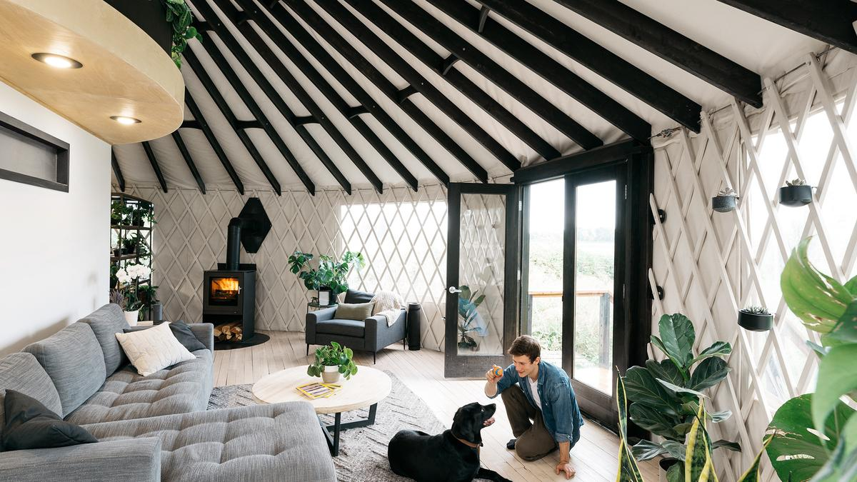 Oregon couple build stunning botanical yurt, share DIY guide online