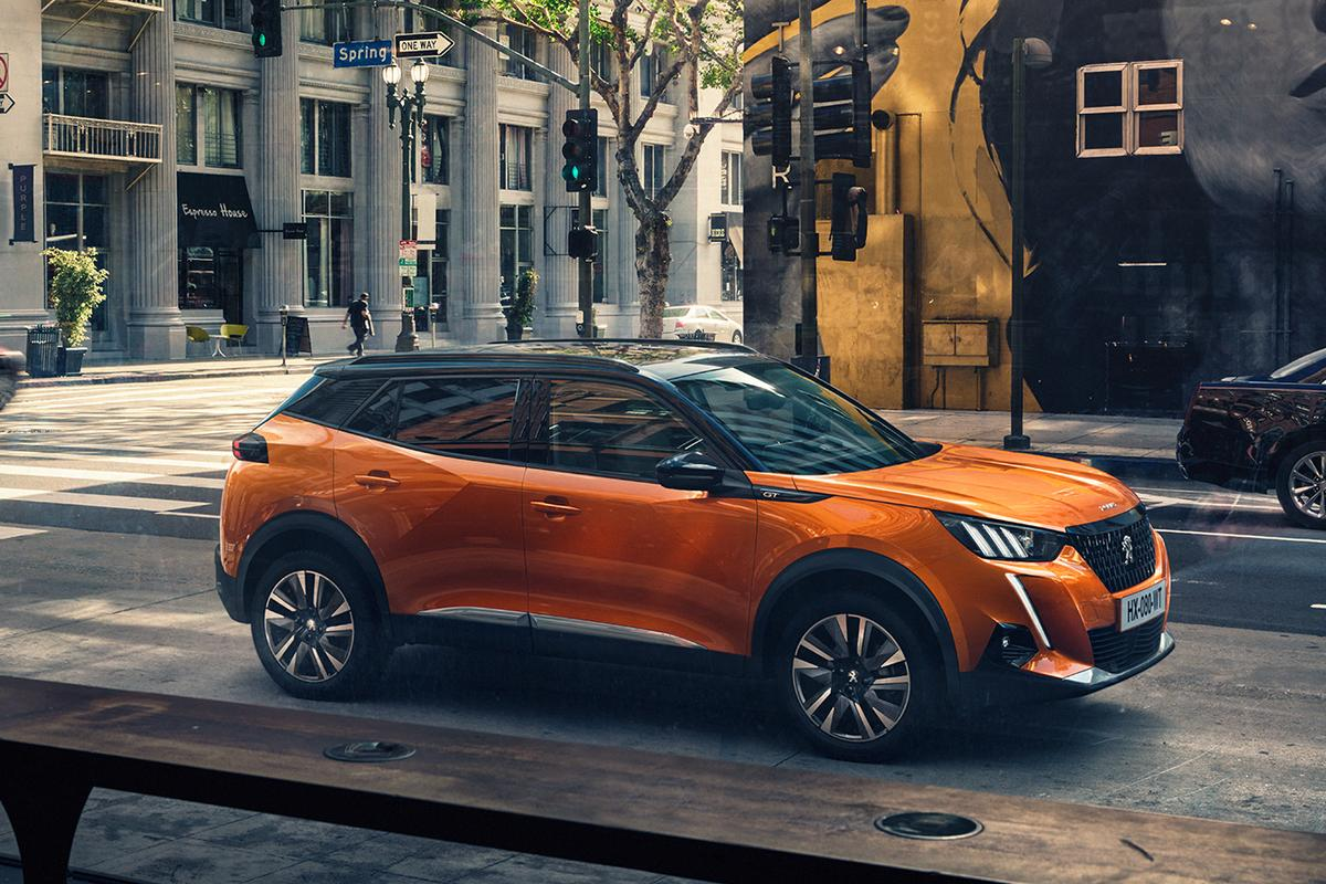 The e-2008 electric SUV is Peugeot's second all electric vehicle, producing 100kW (136 hp) from its electric motor and offering a 310 km (193 mile) range from its 50kWh battery pack