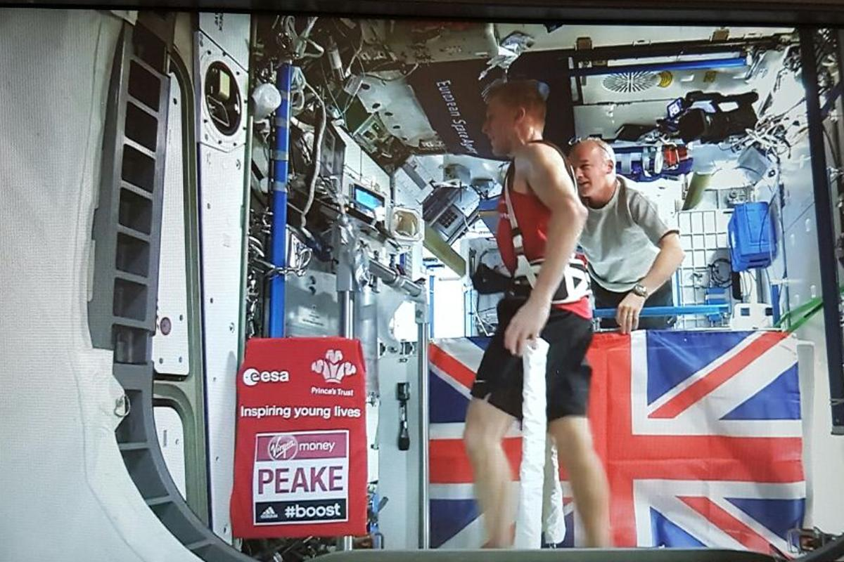 Tim Peake runs the London Marathon from space as NASA Astronaut Jeff Williams looks on