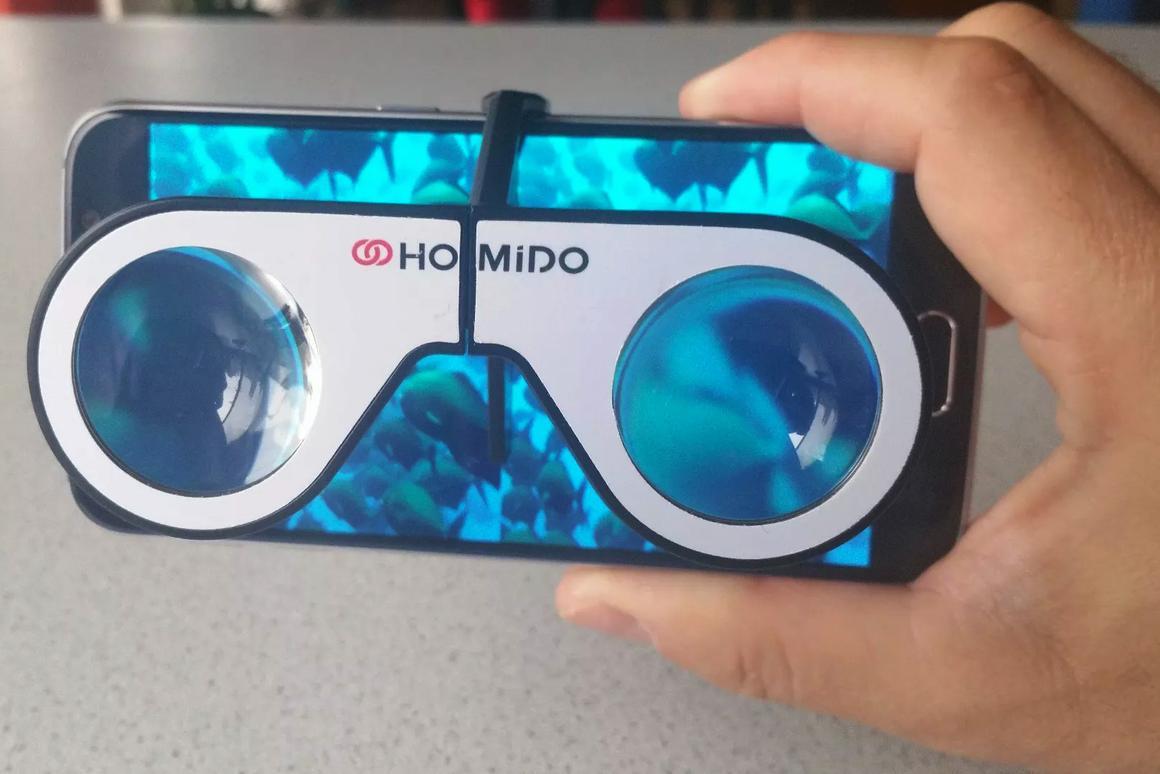 The device-agnostic Homido Mini lets you enjoy virtual/augmented reality anywhere