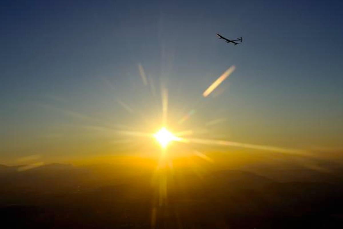 Solar Impulse completes all night flight milestone Solar Impulse HB-SIA (Image: Solar Impulse)