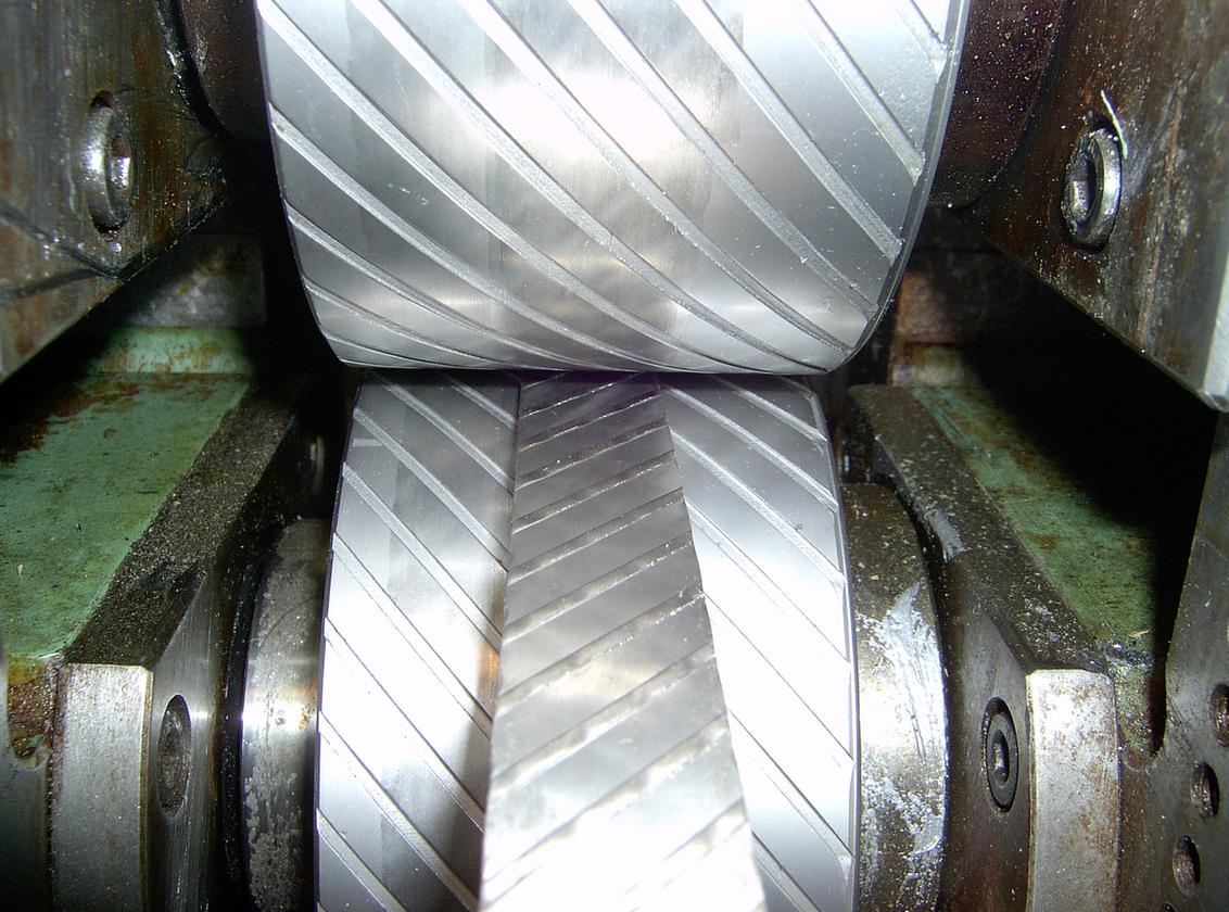 The ribbed structure of the SMA is created by cold pressing (Photo: Rau & Co., Germany)
