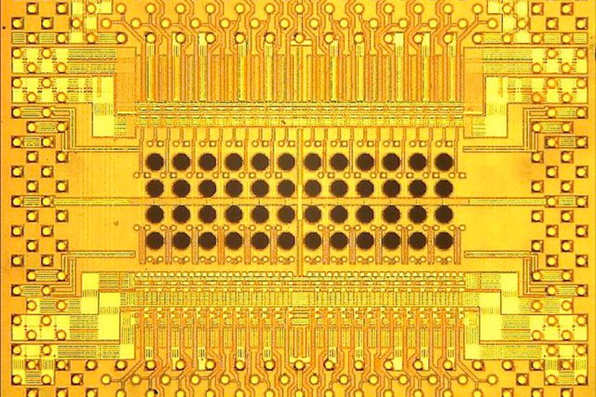 IBM's prototype 5.2 x 5 .8 mm Holey Optochip