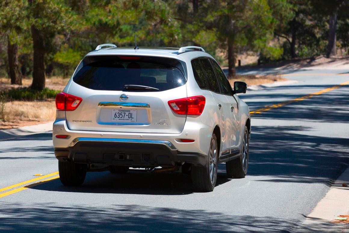 2017 Nissan Pathfinder Towing Capacity >> Review 2017 Nissan Pathfinder Returns To Its 90 S Roots