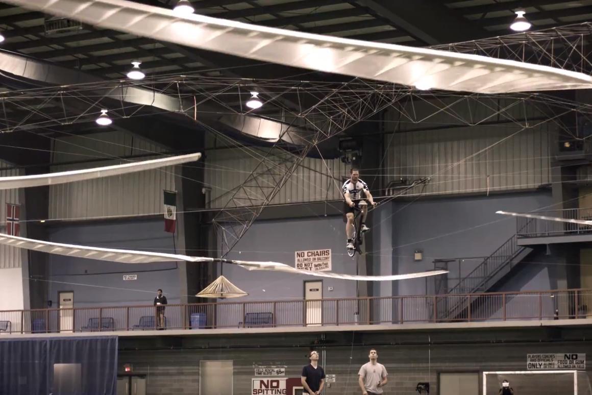 The prize-winning flight of AeroVelo's Atlas (Video still: AeroVelo)
