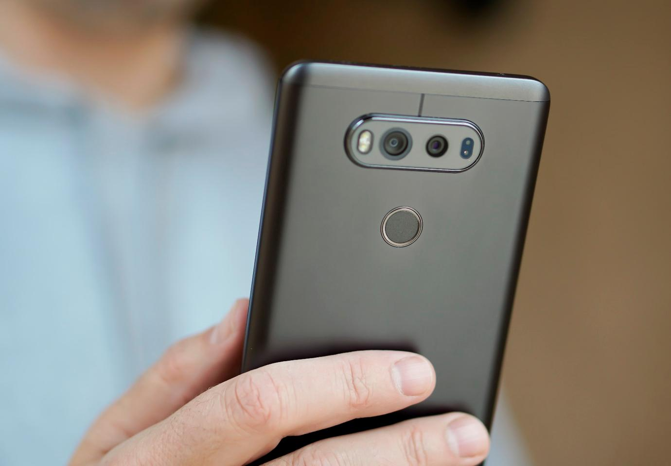 Back of the LG V20