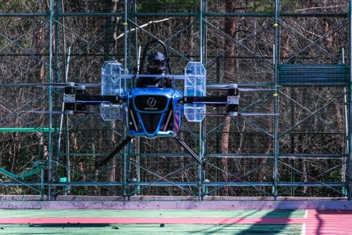 You're looking at Japan's first manned multirotor flight, by the SkyDrive team