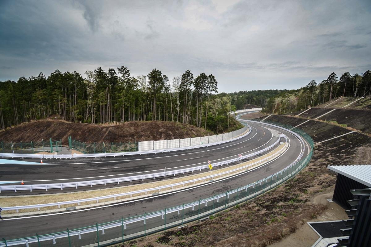 A 5.3-km stretch of the Toyota Technical Center Shimoyama set in the mountain forests outside Nagoya, with no less than 75 m of elevation difference between the lowest and highest points on the track
