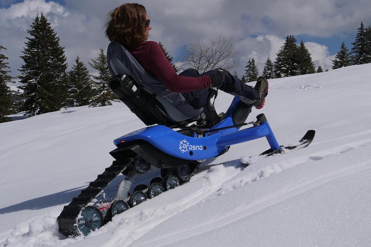 The E-trace can reportedly climb slopes of approximately 17 degrees